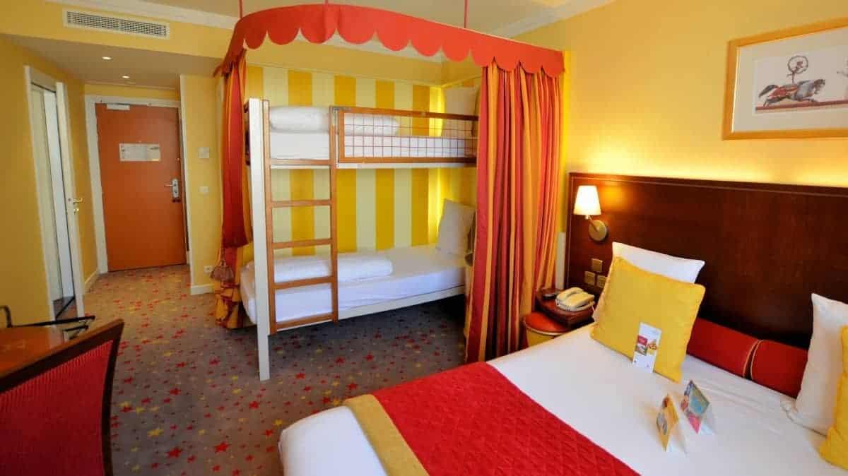 Hotel Vol Disneyland Paris